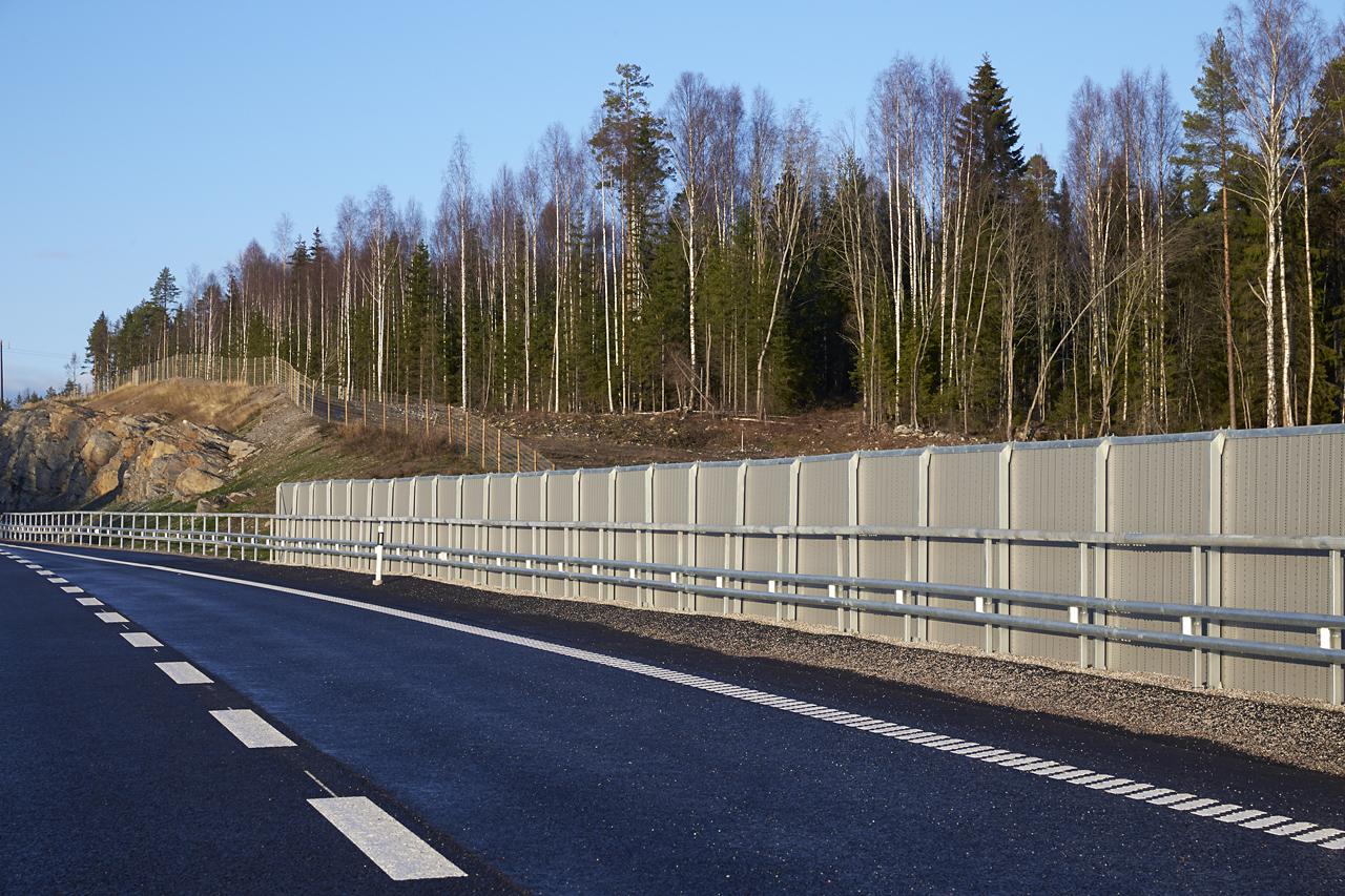 Bullerskydd vid E4 Sundsvall